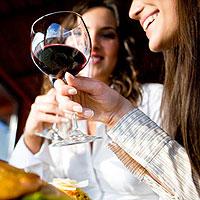 Алкоголь делает девушек нерешительными