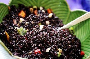 Черный рис помогает продлить молодость
