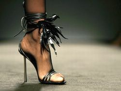 Высокие каблуки признали виновными в болезнях мозга