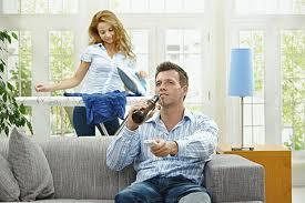 Если муж лентяй, то как поднять его с дивана?