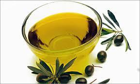 Как идеально удалить макияж с лица с помощью оливкового масла
