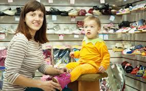 Как правильно выбрать ребенку первую обувь