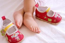 Первая обувь ребенка — как правильно выбрать?