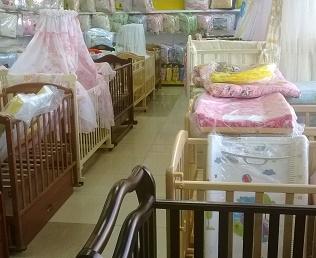 Детская кроватка — первая мебель вашего ребенка