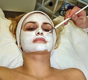 Жирная кожа лица — правильный уход в домашних условиях