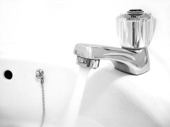 Почему нельзя пить воду из под крана