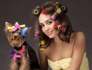 Лучший способ стать привлекательной — накрутить волосы на мягкие бигуди