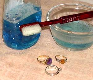 Как правильно чистить украшения