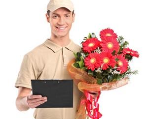 Преимущества услуги доставки цветов