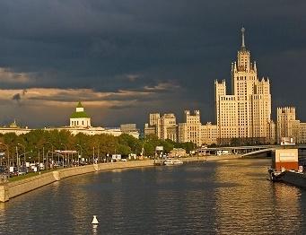 в Москву