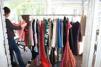 Зачем женщине много одежды II