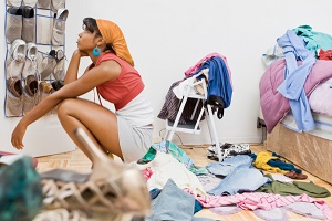 Зачем женщине много одежды