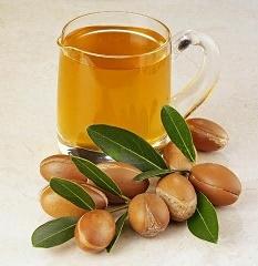 Аргановое масло: незаменимый ингредиент в уходе за кожей