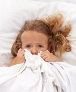 Почему дети во сне скрипят зубами?