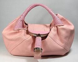 Выбираем красивые женские сумки