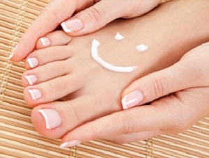 Уход за кожей вокруг ногтей