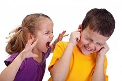 ребенок сердится