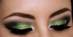 Вид праздничного макияжа Смоки айз